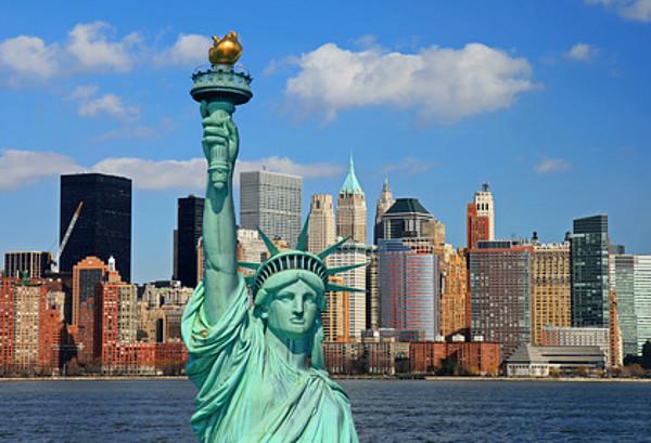Skyline New Yorks mit Freiheitsstatue