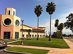 Doe Kohn Hall auf der östlichen Seite des Campus