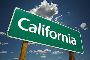 """Straßenschild mit Aufschrift """"California"""""""