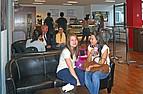 Studenten in der Cafeteria der London School of Business and Finance