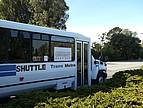 Ein Linienbus auf dem Campus der CSU East Bay