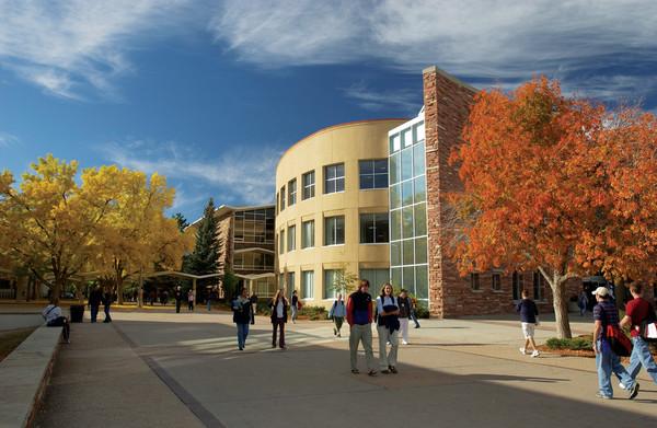 Studenten auf dem Campus der Colorado State University