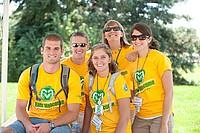 Studenten der Colorado State University in gelben T-Shirts
