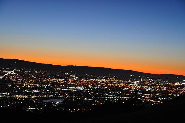 Blick über San Jose bei Nacht