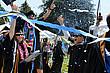 Studenten feiern Ihren Abschluss auf dem Campus des Menlo College