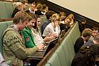 Studenten im Vorlesungssaal der Riga Stradins Universität