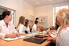 Studenten im Seminar der Humanmedizin