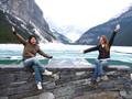 Sprachschülerinnen vor einem See in der Nähe von VAncouver, Kanada