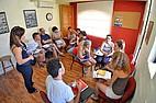 Sprachschüler bei einer Gruppenarbeit