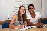 Zwei Sprachschüler der Englisch Sprachschule Lingautime in Malta beim Unterricht