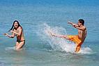 Sprachschüler genießen ihre Freizeit im maltesischen Mittelmeer