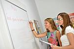 Sprachschülerinnen im Englisch Unterricht BELS Malta