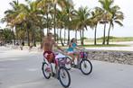 Fahrradtour am palmengesäumten Strand