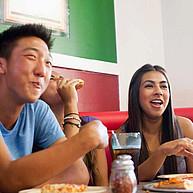 Studenten der Wilfrid Laurier University in der Cafeteria