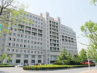 Das Haupgebäude der DUFE in Dalian