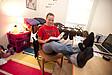 Studentin beim Lernen im Wohnheimzimmer
