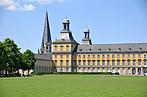 Das Hauptgebäude der Rheinischen-Friedrich-Wilhelms-Universität in Bonn
